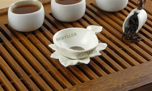 High Grade Maple Leaf White Porcelain Tea Strainer * Free Shipping
